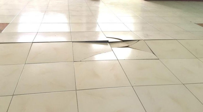 TILED FLOOR BRICK: CAUSES AND HOW TO HANDLING?